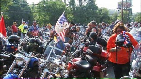 bikers-parked-with-flag-600